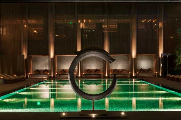 Rosewood-Beijing_Swimming-Pool_Twilight-(2)