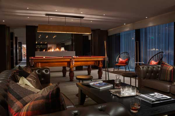 Rosewood_Beijing_Manor-Club_Pool-Table-Area