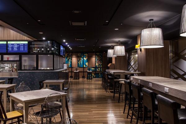 Shinjuku-Prince-Hotel_Cafe1