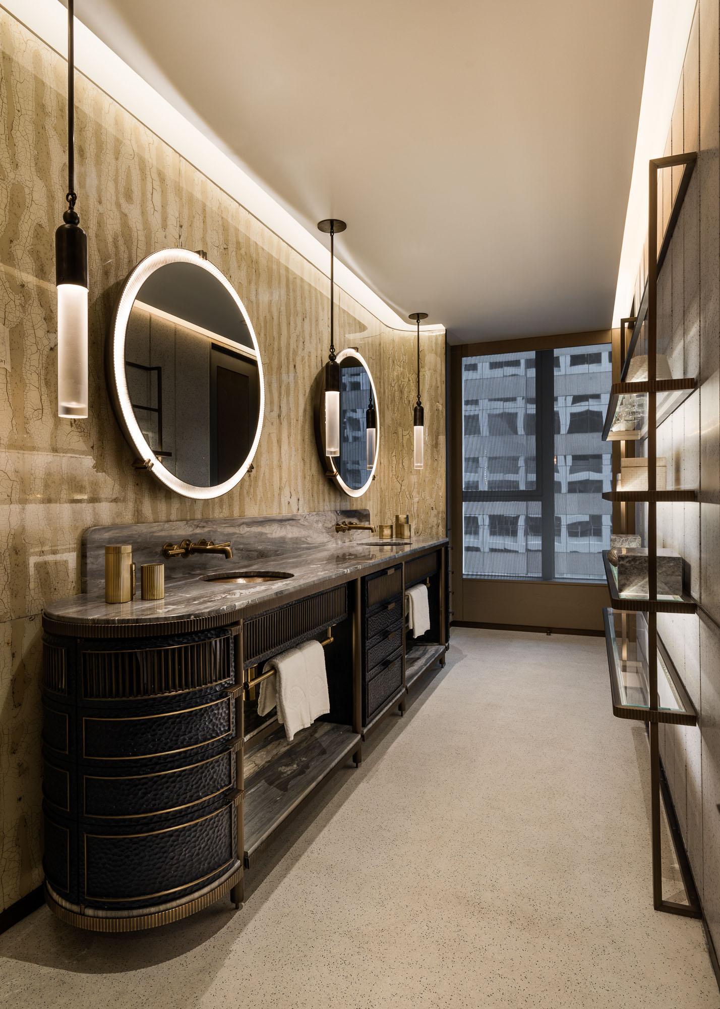 joyce-wang-landmark-mandarin-oriental-bathroom-vanity-area-indesignlive-hk-1