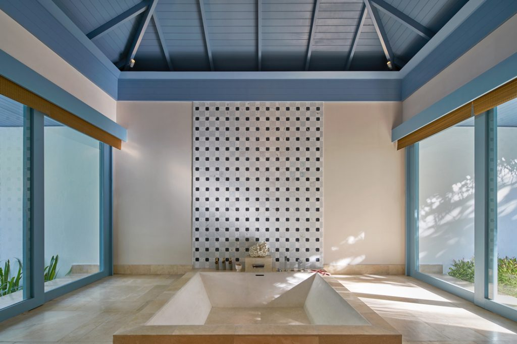 Bath c Raffles Maldives Meradhoo