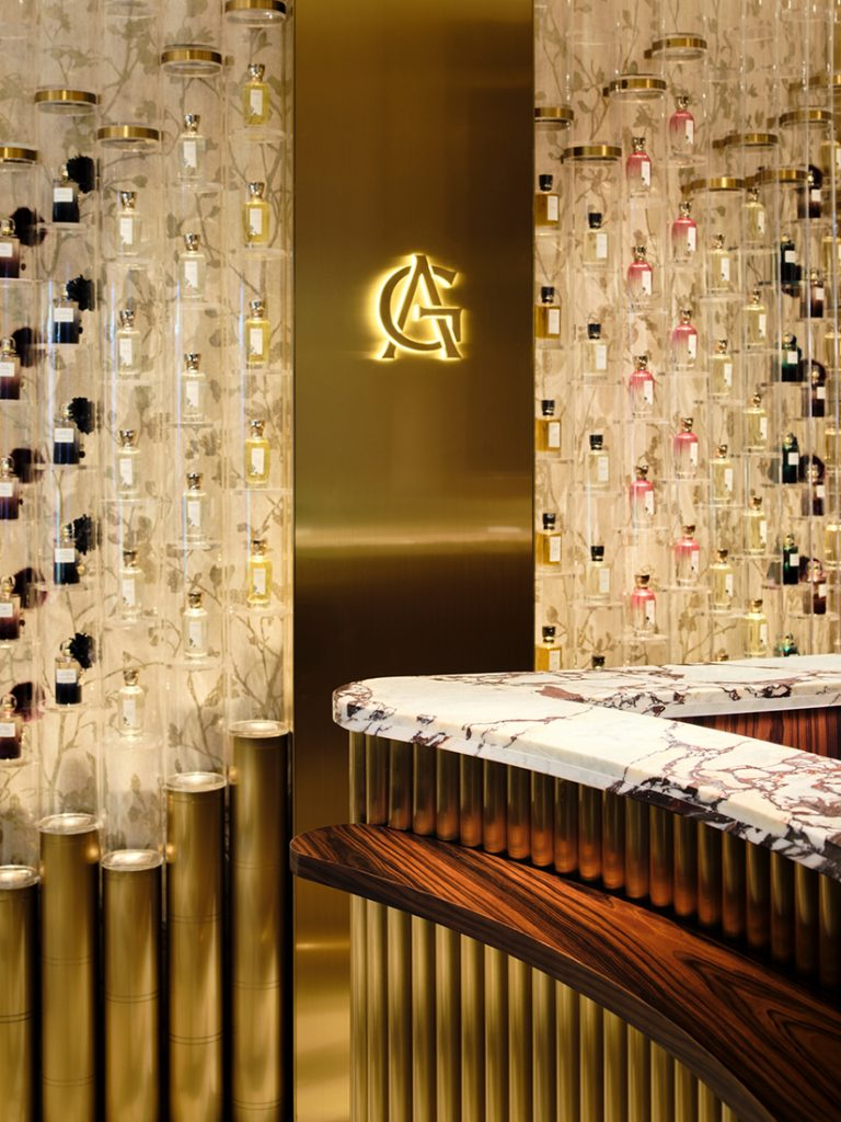 via._La-Maison-Goutal_perfume-organ-close-up