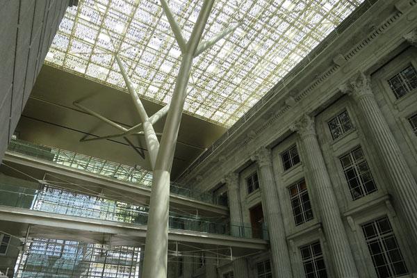 Atrium_(Photo_credit_National_Gallery_Singapore)
