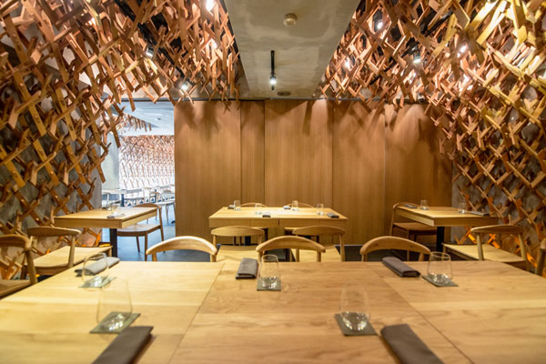 Wild-Rocket-27---alcove-looking-out-to-main-dining-area