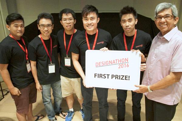 Adj_1st-prize-team-KIBO-with-Minister