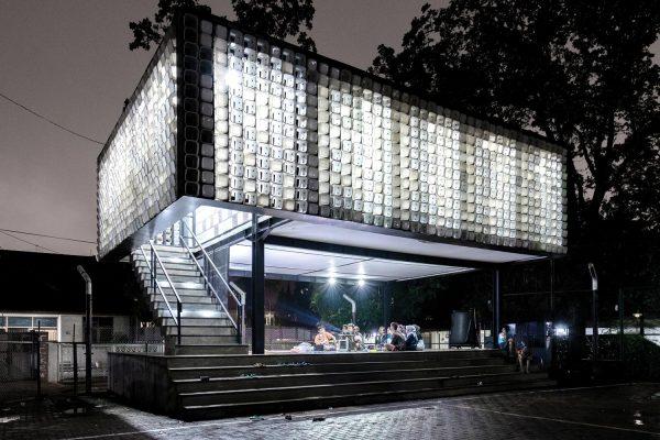 Microlibrary Taman Bima. Photo by Sanrok Studio
