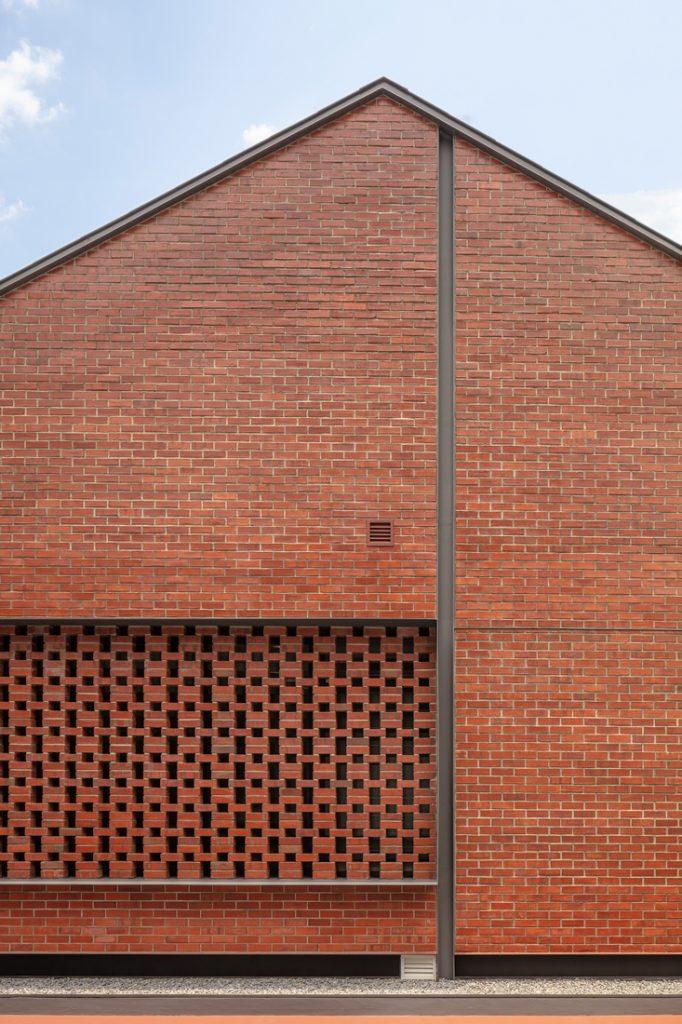 RTNQ Brick House brick wall