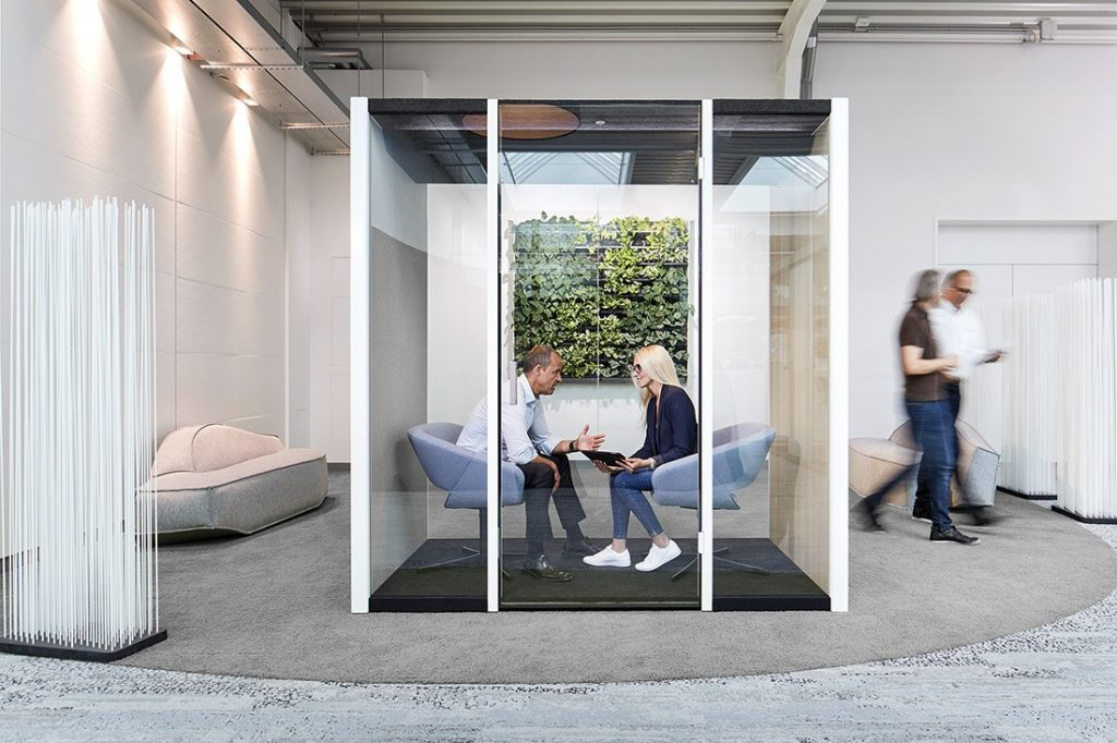 Orgatec_privacy_dialogue-cube-people