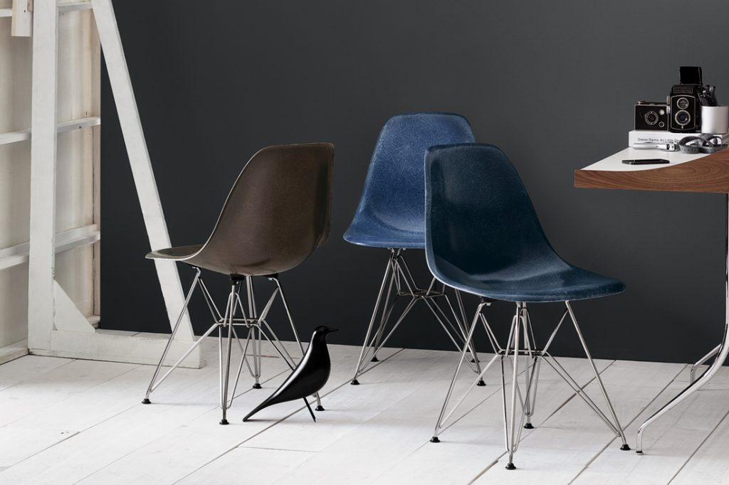 Eames Xtra Herman Miller Eames Moulded Fibreglass Chairs