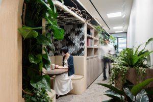 Studio SKLIM VSO Office sitting in green spine