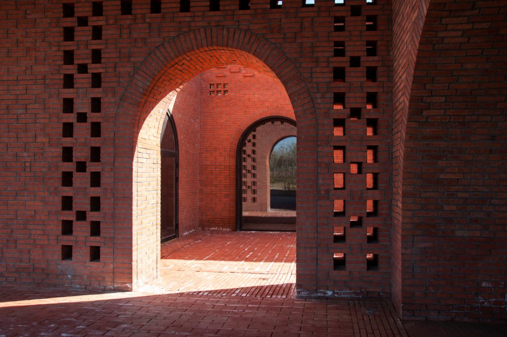 Tower of Bricks arches 2