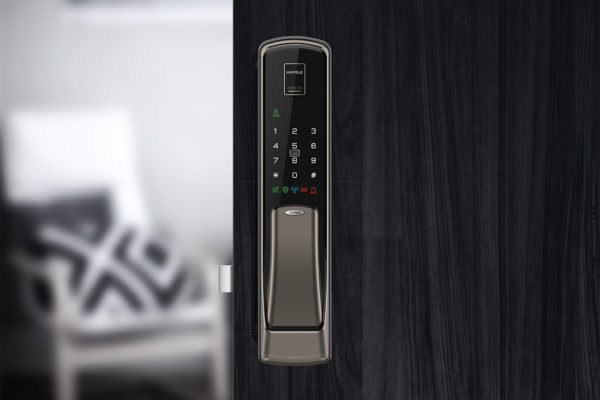 Hafele_EL-9500-Digital-Lock_on-door
