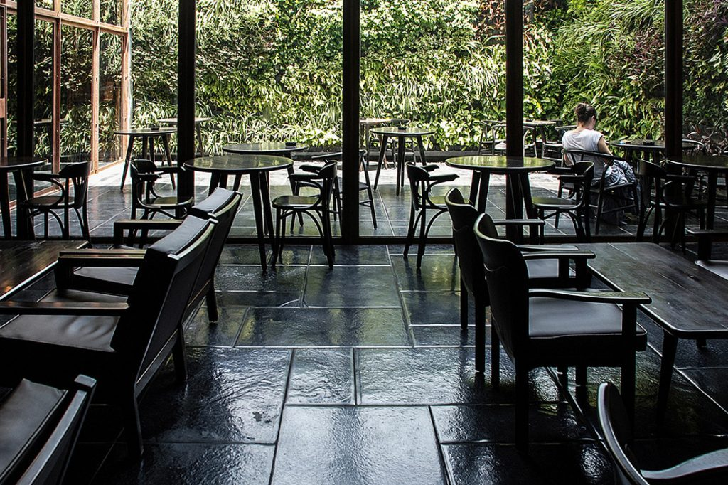 Java-IKSOI-DesignStudioccVishalMehta_indooroutdoordining
