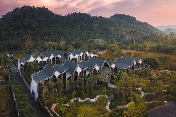 Chat-Architects_Hotel-Labaris__photo-by-Kanisorn-Pringthongfu