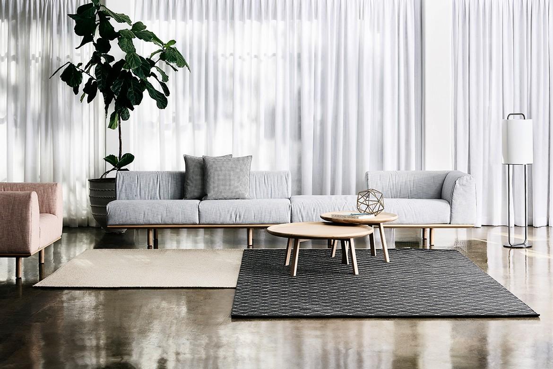 Platforma Light Beige Sofa