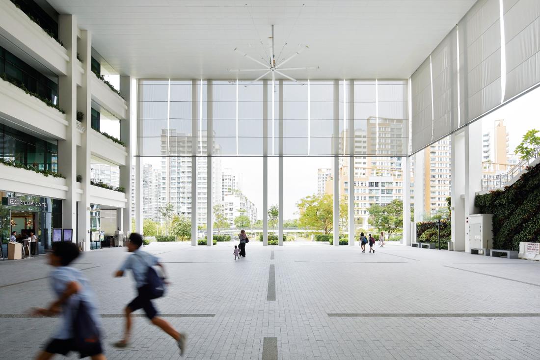 Serie-Architects-Oasis-Terraces-Singapore-main-plaza