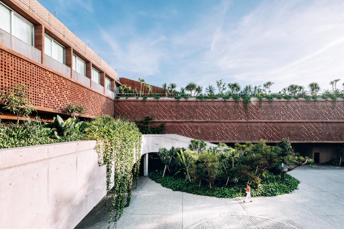 sustainability-in-hotel-design-Bali-Potato-Head-Studios-by-OMA-and-Andramatin