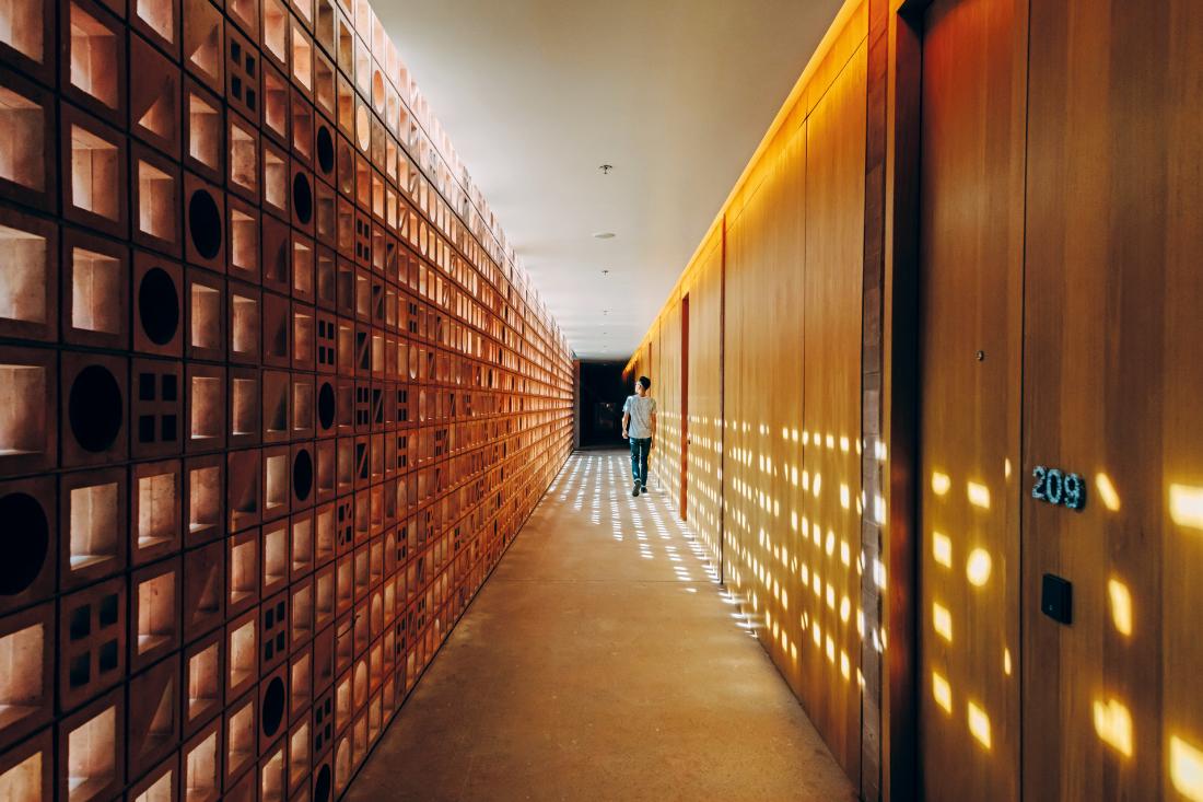 sustainability-in-hotel-design-corridor-at-Potato-Head-Studios-by-OMA-and-Andramatin