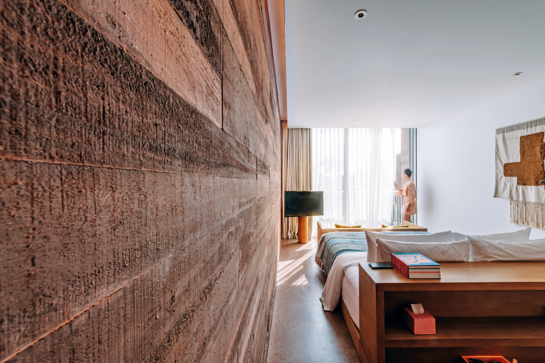sustainability-in-hotel-design-room-at-Potato-Head-Studios-by-OMA-and-Andramatin