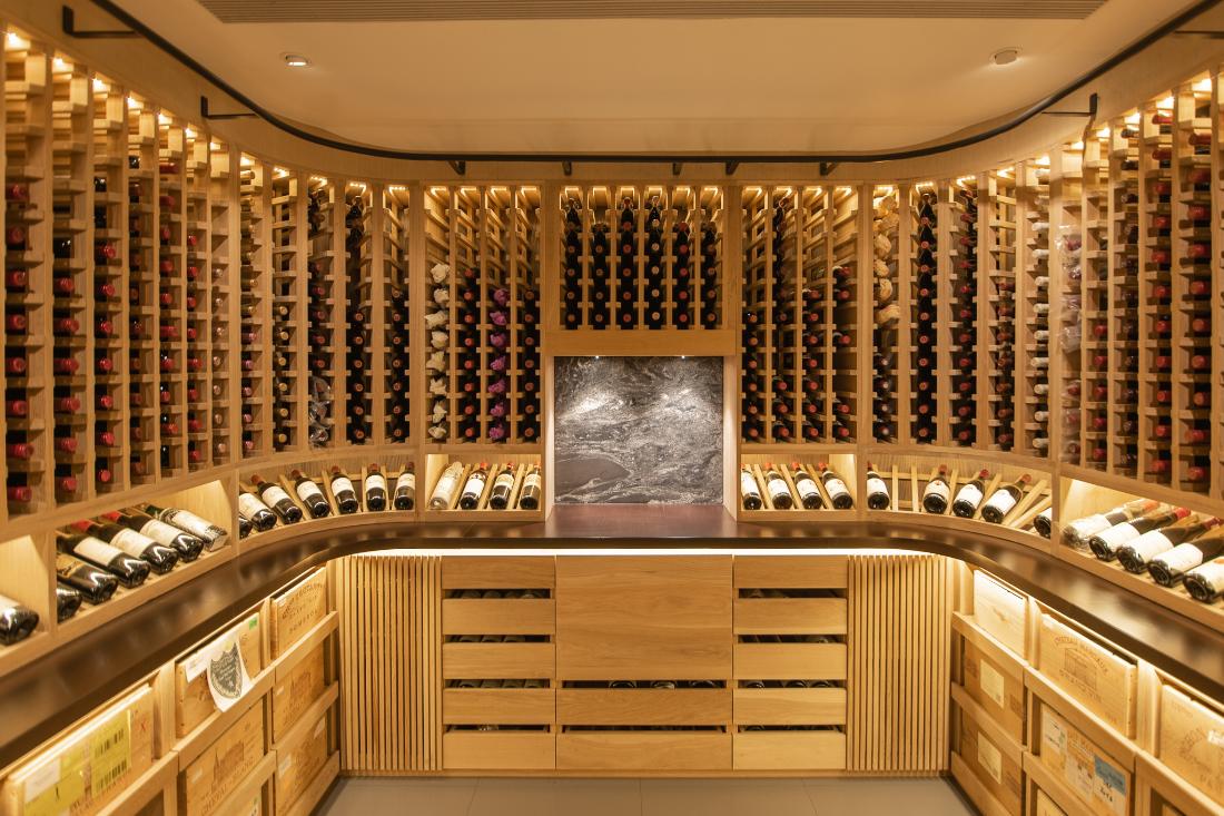 AHEC-RogerSons-woodworking-in-Oak-Wine-Cellar