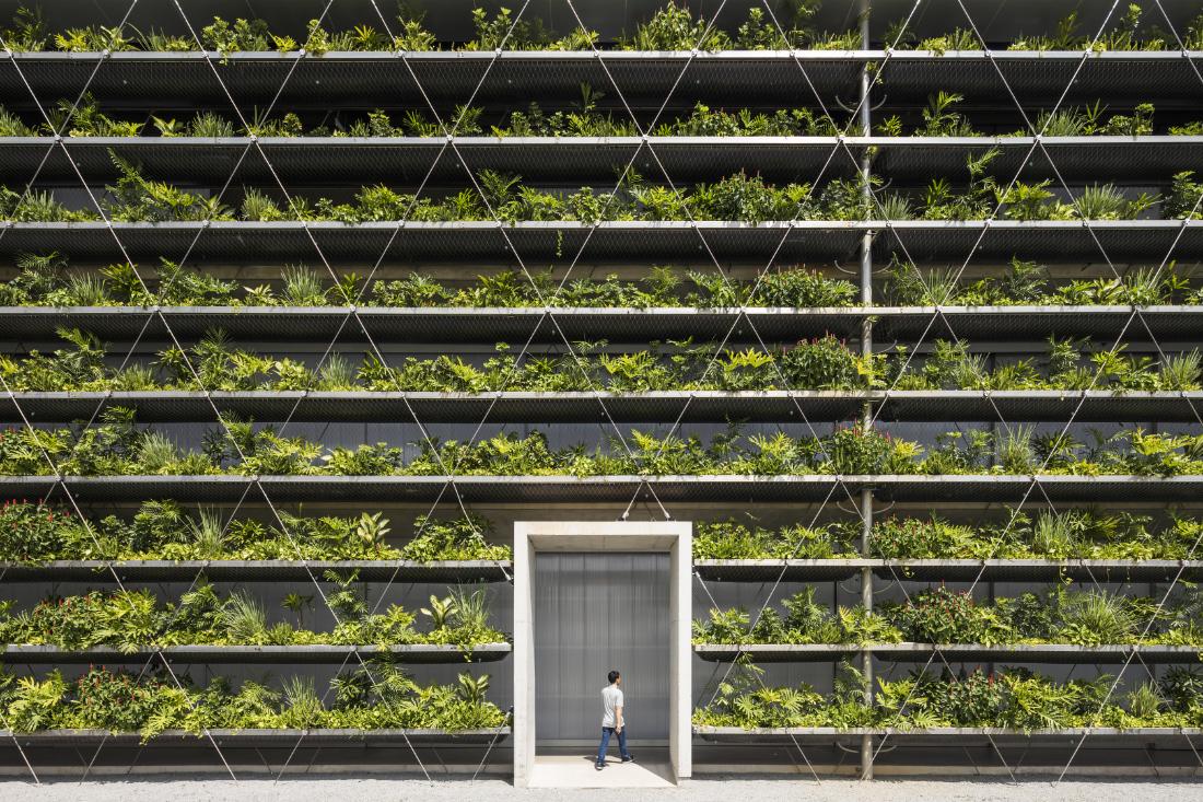 Cubes-101-Jakob-Factory-Saigon-by-G8A-Architects-and-Rollimarchini-Architekten_Photo-by-Oki-Hiroyuki