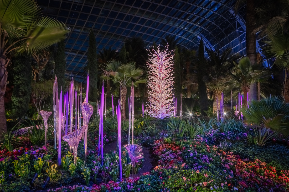 Dale-Chihuly-White-Tower-and-other-installations-©-Chihuly-Studio.-All-Rights-Reserved