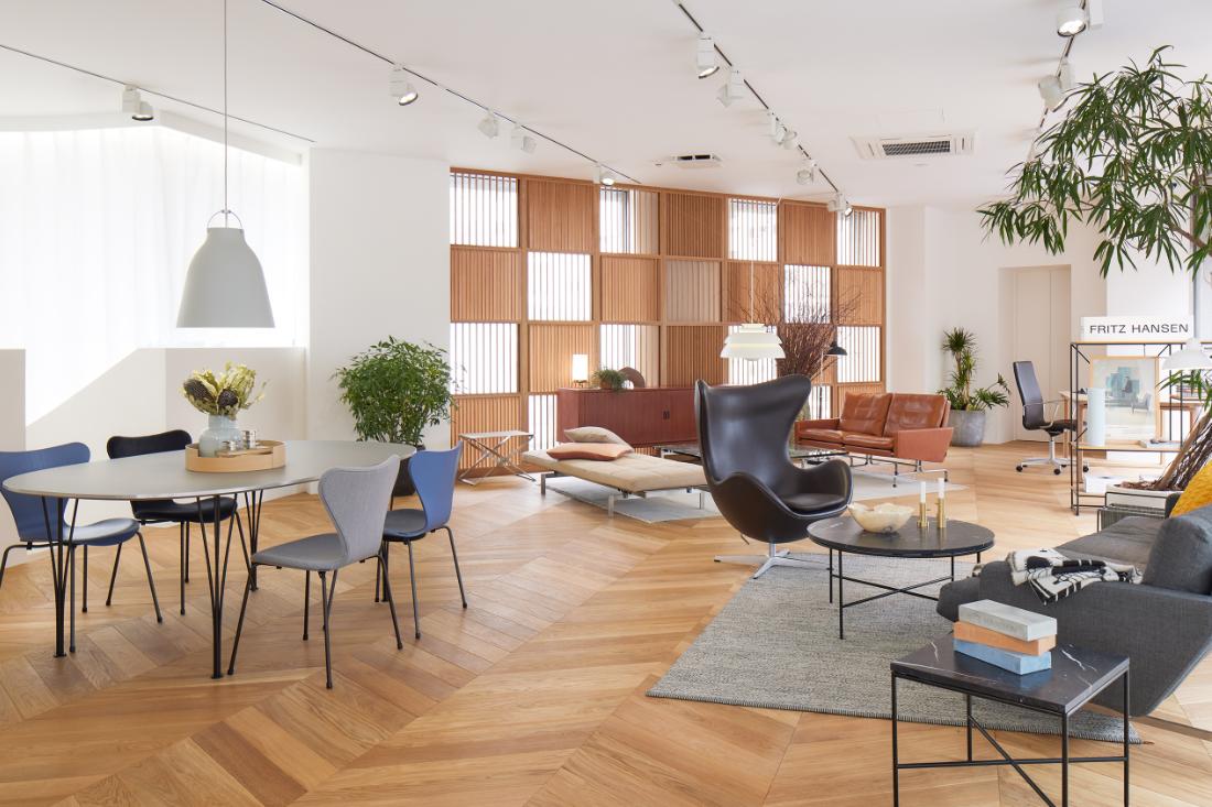 Fritz-Hansen-Tokyo-showroom-in-a-building-designed-by-Kengo-Kuma-3