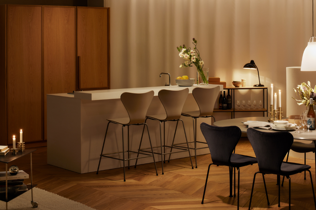 Fritz-Hansen-Tokyo-showroom-in-a-building-designed-by-Kengo-Kuma-8