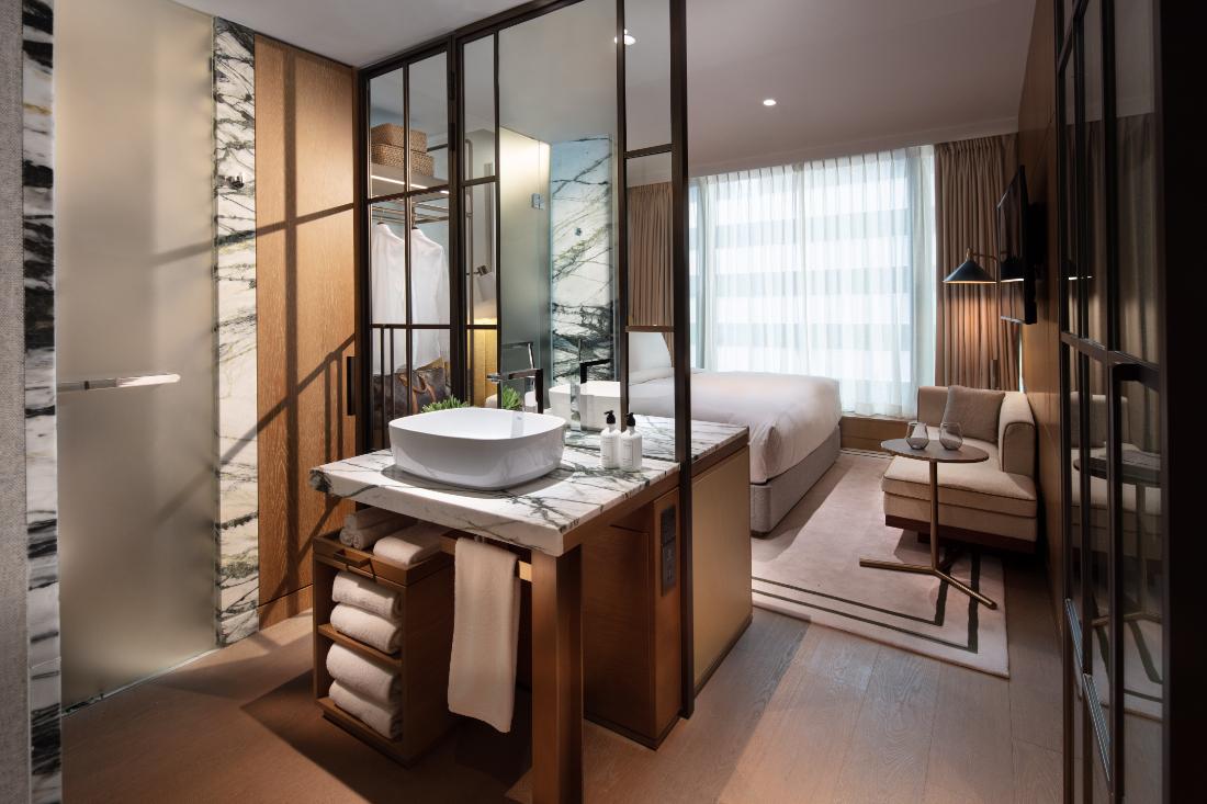 King Room- The Hari Hong Kong by-Tara-Bernerd-and-Partners-photo-Dennis-Lo