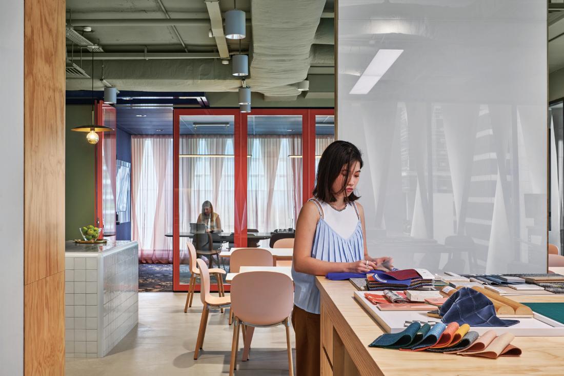 Siren-Design's-SG-Office-2