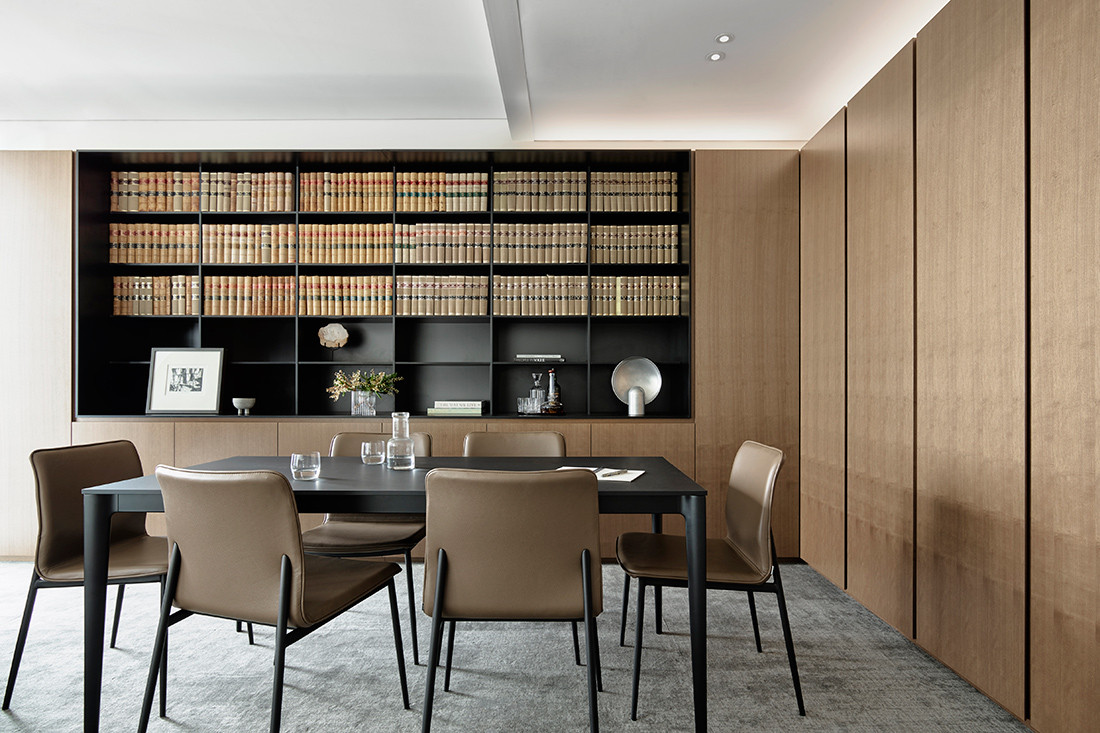 Small meeting room of Banco Chambers Martin Place office fitout, designed by Bates Smart