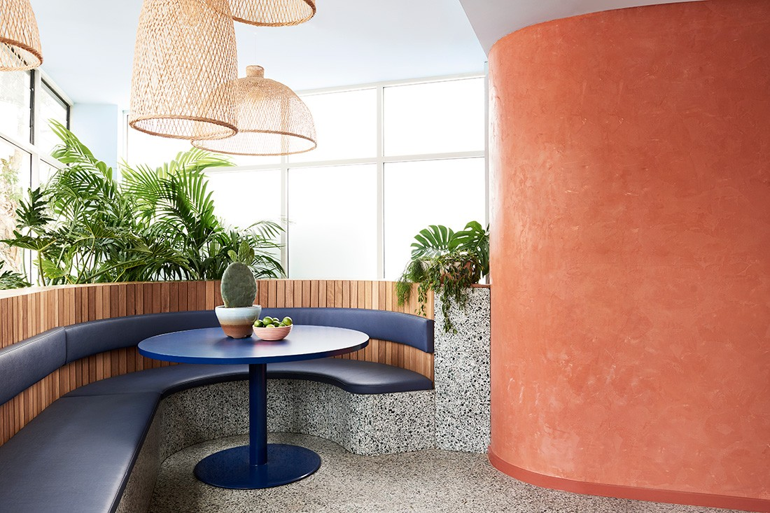 Fonda Bondi by Studio Esteta takes inspiration from the ocean and Mexico, and terrrazzo was the perfect material to achieve this.