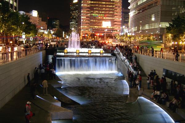 cheonggyecheon seoul