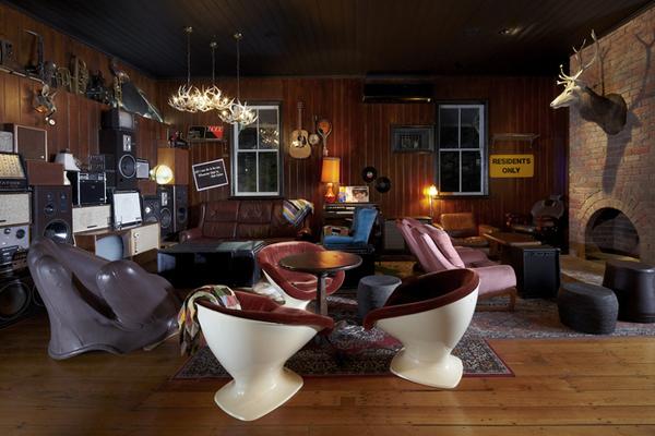 Alfred and Constance Derlot Restaurant and Bar Design Awards