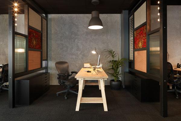 brobo_office2