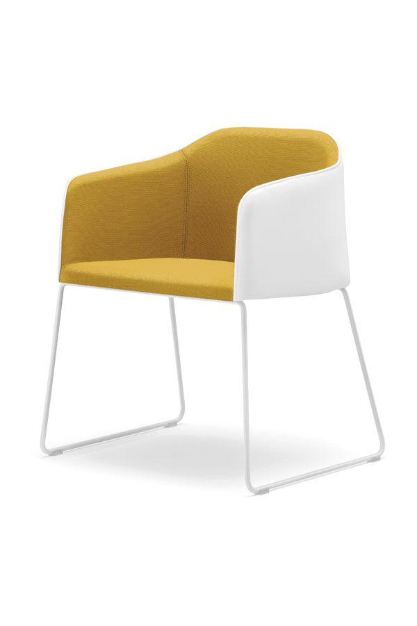 LAJA-armchair_design-Alessandro-Busana_Pedrali
