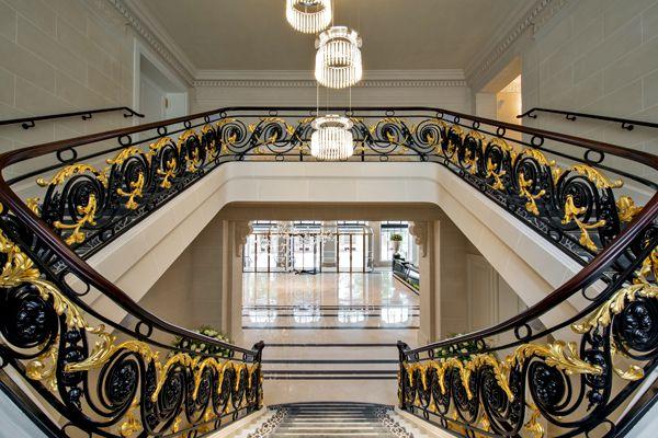 660_Lobby-Staircase-2_4134x2748