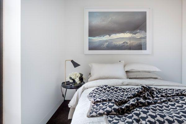 SC-Land_30-Esplanade_Lynton-Crabb-Photography_Bedroom-2-Detail