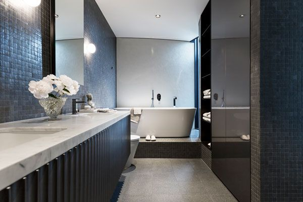 SC-Land_30-Esplanade_Lynton-Crabb-Photography_Master-Bathroom
