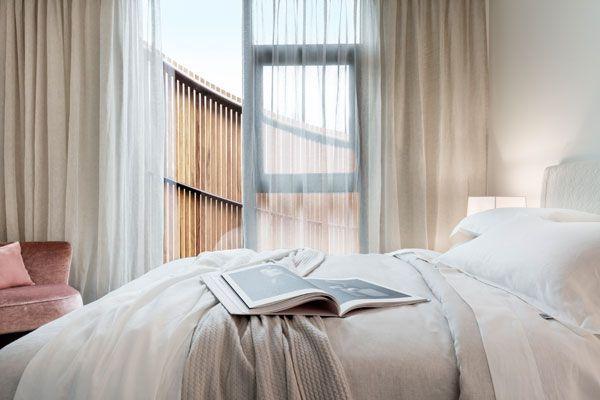 SC-Land_30-Esplanade_Lynton-Crabb-Photography_Master-Bedroom-Detail
