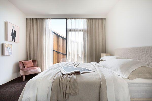SC-Land_30-Esplanade_Lynton-Crabb-Photography_Master-Bedroom