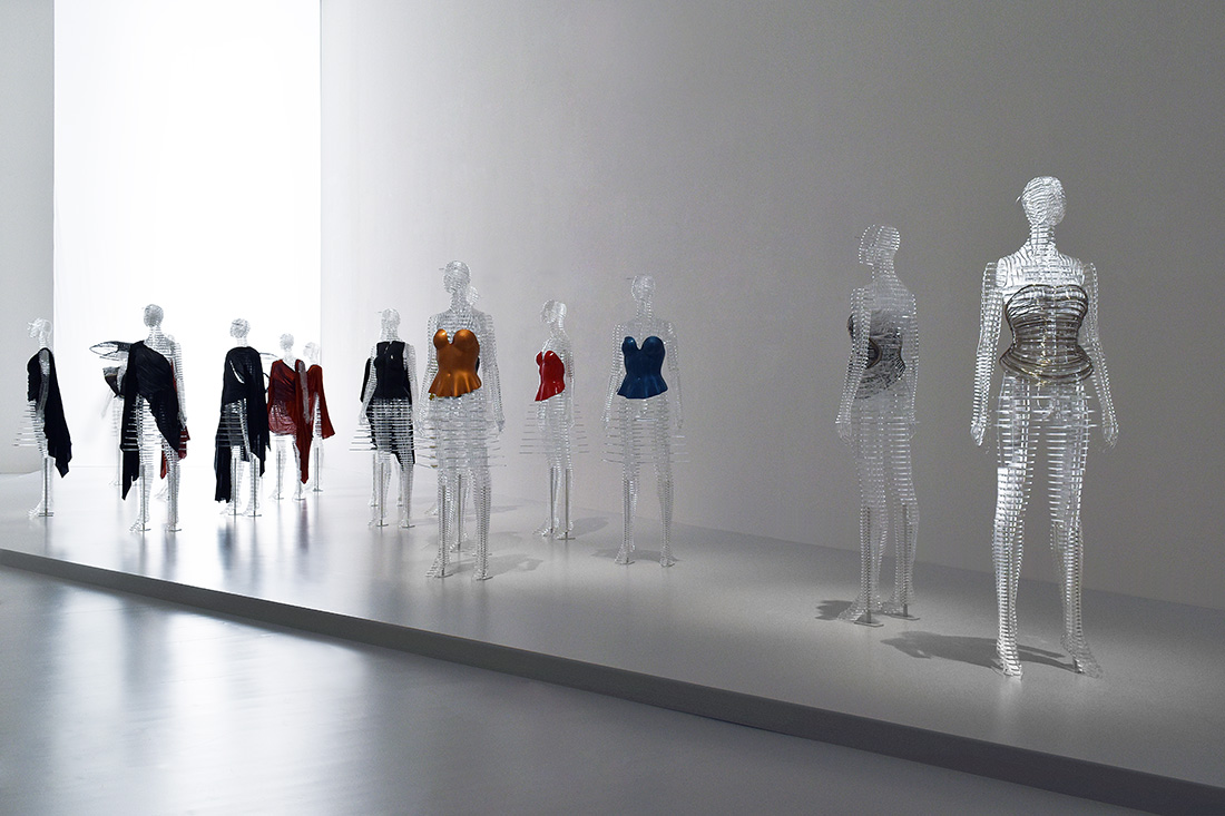 Fashion designers influenced by architecture 84