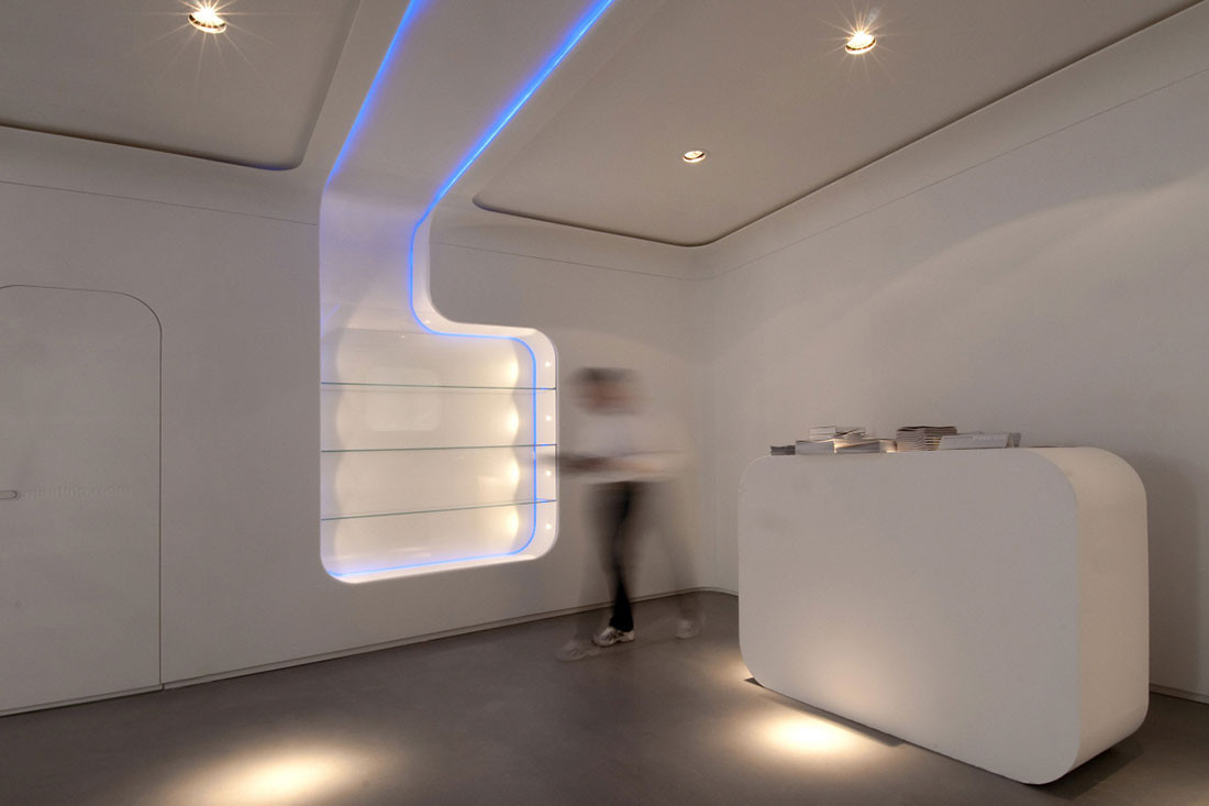 From flat to fantastic: Monolithic Wall cladding with Staron Solid Surfaces
