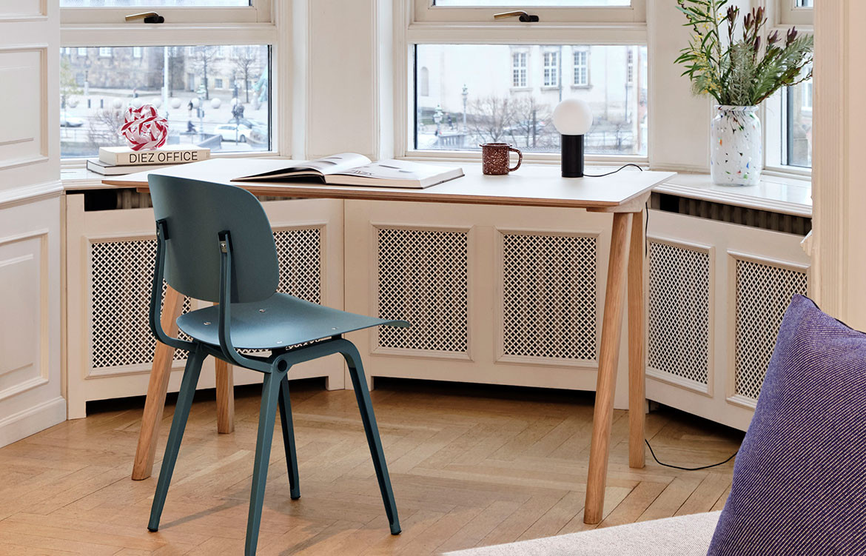 Copenhague Off White Top and Oak Desk