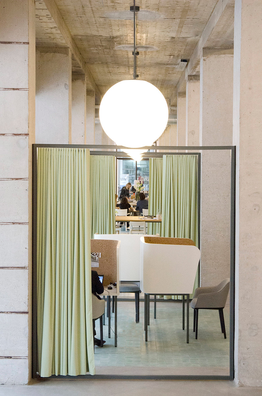 Co-working space by Spaces in Vijzelstraat. Photo by Florence Rozensztajn,