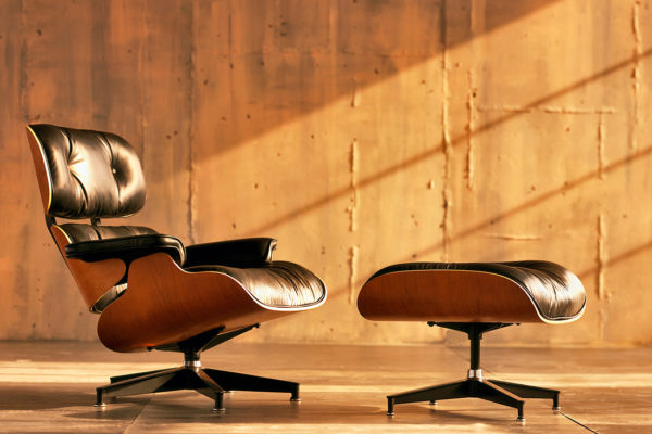 Eames Lounge and Ottoman | Indesign Live