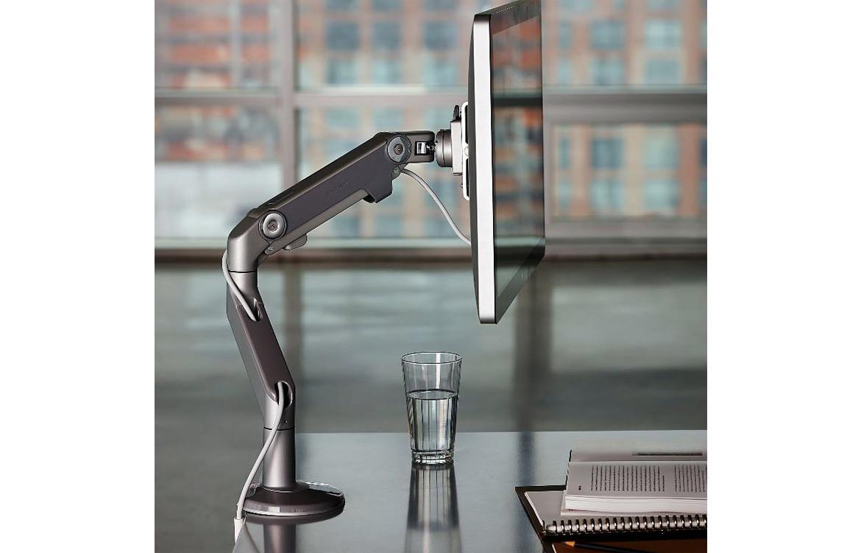 M8 Monitor Arm 02
