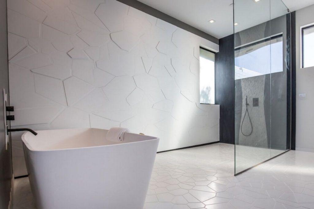 Mario Romano Walls bathroom application
