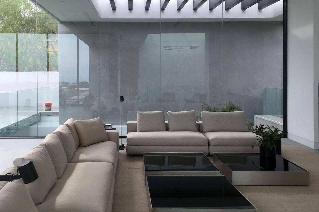 Seamless Stone Completes Fashion Designers' Luxury Residence