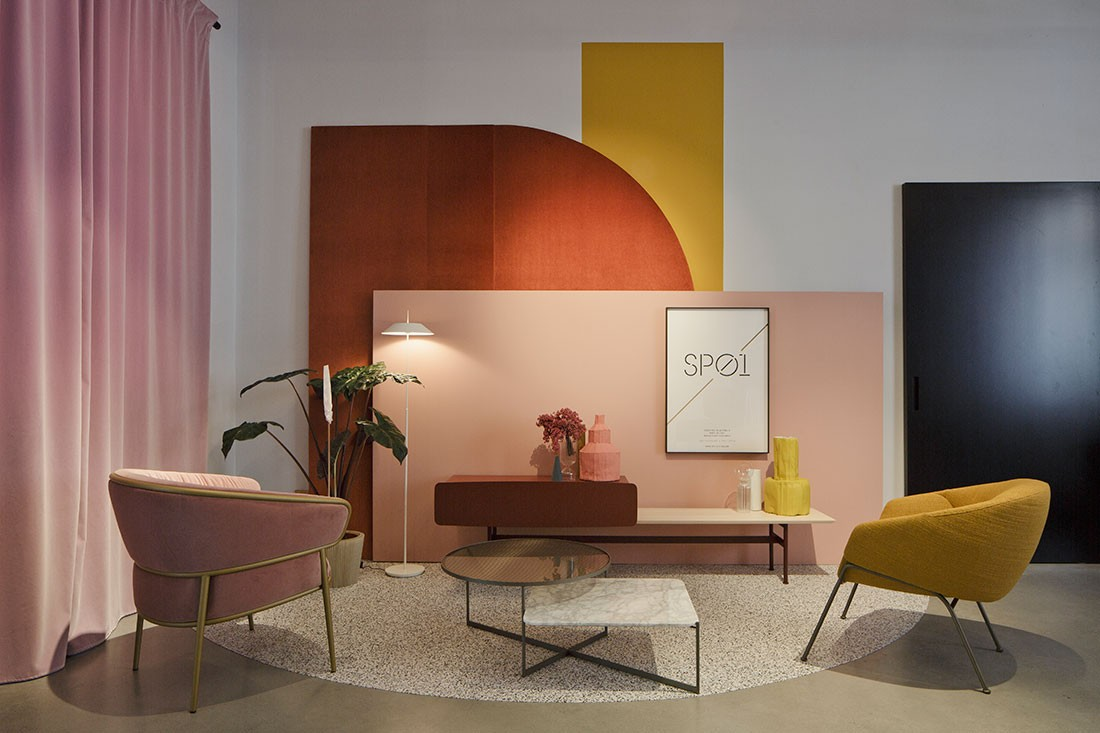 New colours and materials showcased the versatility of SP01 furniture.